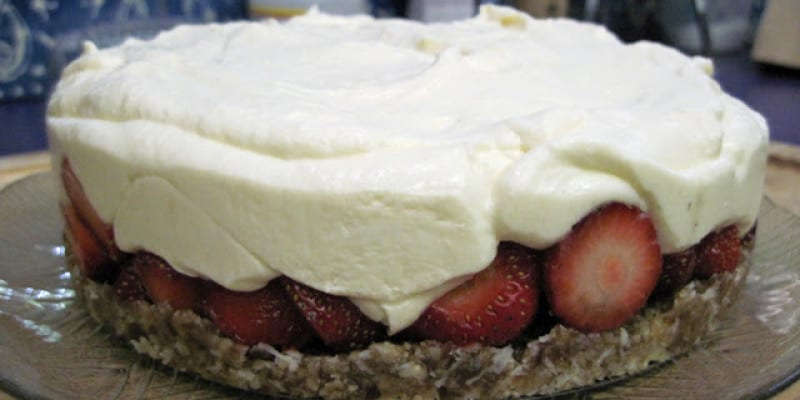 No-Bake Raw (But Not Vegan) Cheesecake